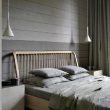51247 Oak Spindle bed